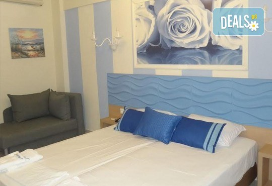 Почивка през септември на брега на Егейско море с ТА Ревери! 3 нощувки със закуски и вечери в Leonidas Apartments, Касандра, Гърция! - Снимка 5