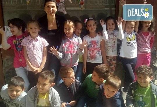 Месечна ученическа занималня за деца от 1 до 5 клас - подготовка на уроците и много забавления от езиков център WonderLand - Снимка 6