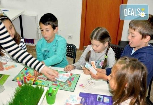 Месечна ученическа занималня за деца от 1 до 5 клас - подготовка на уроците и много забавления от езиков център WonderLand - Снимка 8