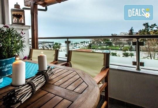 Почивка на Халкидики през септември с ТА Ревери! 3 нощувки на закуски и вечери в апартаменти Aqua Mare Sea Side! - Снимка 2