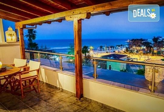 Почивка на Халкидики през септември с ТА Ревери! 3 нощувки на закуски и вечери в апартаменти Aqua Mare Sea Side! - Снимка 9