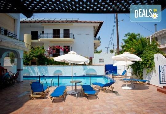 Почивка през септември в Халкидики, Гърция! 5 нощувки на база All Inclusive в Golden Beach Hotel - Apartments 2*, Неа Потидеа! - Снимка 16