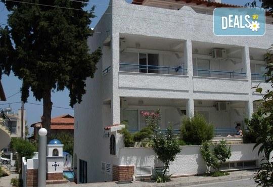 Почивка през септември в Халкидики, Гърция! 5 нощувки на база All Inclusive в Golden Beach Hotel - Apartments 2*, Неа Потидеа! - Снимка 17