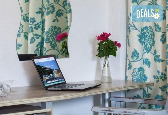 Почивка през септември в Халкидики, Гърция! 5 нощувки на база All Inclusive в Golden Beach Hotel - Apartments 2*, Неа Потидеа! - Снимка 8