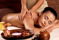 Шоколадов релакс! 60 минутен SPA масаж с ароматно шоколадово олио в Студио БЕРЛИНГО - Снимка