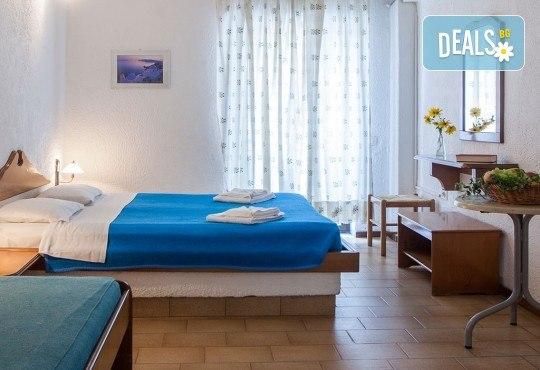 Септемврийски празници на Халкидики, Гърция! 3 нощувки със закуски и вечери в Golden Beach Hotel - Apartments 2*, Неа Потидеа! - Снимка 3