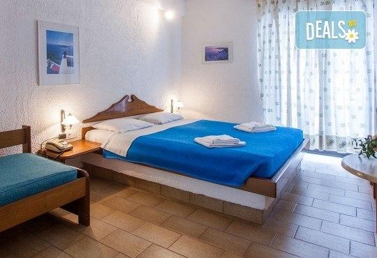 Септемврийски празници на Халкидики, Гърция! 3 нощувки със закуски и вечери в Golden Beach Hotel - Apartments 2*, Неа Потидеа! - Снимка 5
