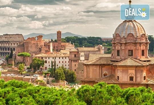 Вечният град - Рим, Ви очаква! Самолетна екскурзия с 4 нощувки със закуски, билет, летищни такси, трансфери и застраховка! - Снимка 2