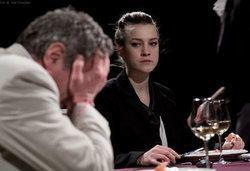 Гледайте черната комедия Покана за вечеря на 16.10. от 19ч, Камерна зала на Театър ''София'', билет за един - Снимка
