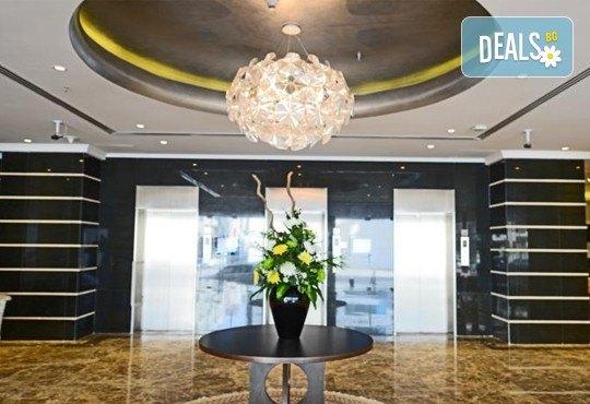 Луксозна почивка в Дубай през есента! 5 нощувки със закуски в Donatello 4*, самолетен билет, такси и трансфер! - Снимка 14