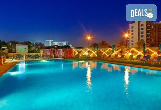 Достижим лукс в Дубай през есента! 4 нощувки със закуски в Arabian Park 3* и панорамен тур на Дубай, самолетен билет, такси и трансфер! - Снимка 12