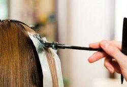 Нова фешън визия! Кичури с фолио на всяка дължина на косата в един или два цвята или с техника преливане в Студио Блейз - Снимка