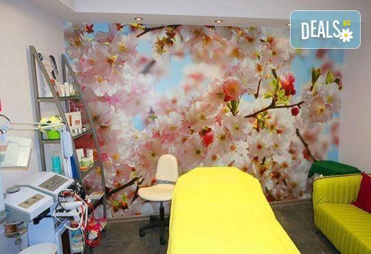 Подстригване, масажно измиване, терапия според типа коса, оформяне на прическа със сешоар, обем в корените по желание и подарък плитка - Снимка 9