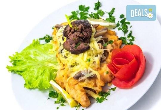 Имате повод да празнувате? Ресторант Интелкооп, Пловдив, Ви предлага четиристепенно празнично меню с богат избор, за 10 човека, на супер цена! - Снимка 2