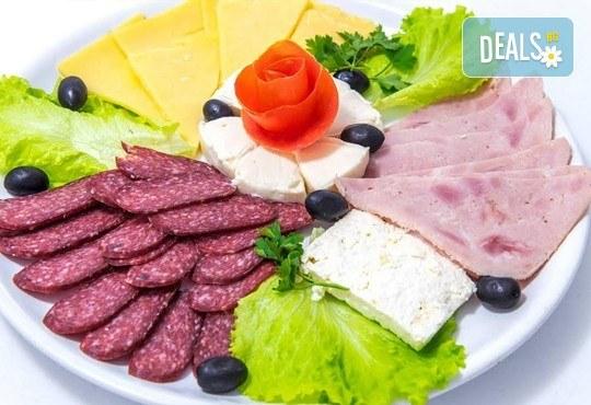 Имате повод да празнувате? Ресторант Интелкооп, Пловдив, Ви предлага четиристепенно празнично меню с богат избор, за 10 човека, на супер цена! - Снимка 4