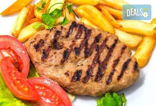 Имате повод да празнувате? Ресторант Интелкооп, Пловдив, Ви предлага четиристепенно празнично меню с богат избор, за 10 човека, на супер цена! - Снимка 6