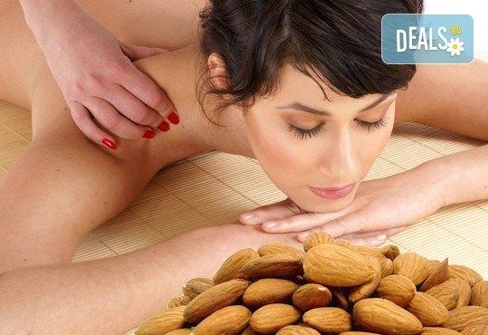 Дълбокотъканен масаж с натурални био масла цитрус, евкалипт, бадем и алое в Chocolate & Beauty - Снимка 1
