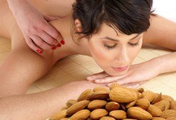Дълбокотъканен масаж с натурални био масла цитрус, евкалипт, бадем и алое в Chocolate & Beauty - Снимка