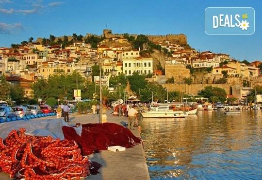Еднодневна екскурзия през октомври до Кавала и пещерата Алистрати в Гърция - транспорт от Пловдив и екскурзовод от Дрийм Тур! - Снимка 1