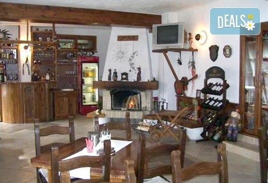 За Студентския празник в семеен хотел Rahoff 3*, Банско! 2 или 3 нощувки със закуски и гала вечеря за празника, от ТА Ревери! - Снимка 9
