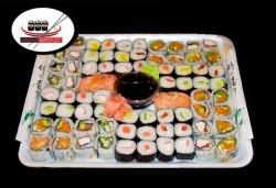 74 суши хапки с пушена сьомга, филаделфия, хайвер и херинга от Sushi Market
