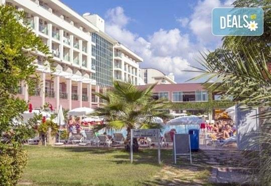 Last minute почивка през октомври в Анталия! 7 нощувки на база All Inclusive в Primasol Telatiye Resort Hotel 5*, двупосочен билет, летищни такси и трансфери - Снимка 18