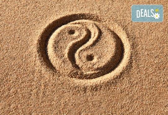 """Лечебен детоксикиращ масаж """"Ин-Ян"""", ароматерапия на цяло тяло и компрес с лечебна луга или мокса в Wellness Center Ganesha! - Снимка 3"""