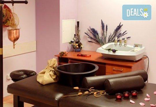 Иновативна терапия за коса с кератинова баня: мирта, иланг-иланг, върба, коприва и витамини А, С и Е и сешоар в център Енигма във Варна - Снимка 5