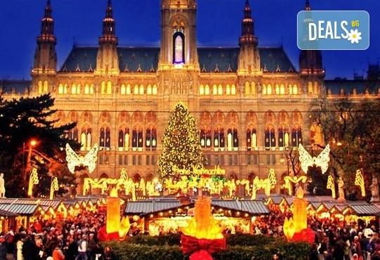 Предколедна Виена и Будапеща с Дари Травел! 3 нощувки със закуски, хотел 2/3* във Виена, транспорт, включени панорамни обиколки и застраховка - Снимка 3