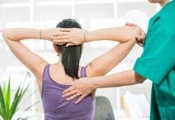 Отново пълноценни! 70-минутен лечебен масаж при плексит от професионален кинезитерапевт в студио Samadhi! - Снимка