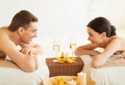 Екзотичен СПА ден за пълно блаженство с масажи за един или двама души и подарък: чаша вино в салон Лаура стайл! - Снимка