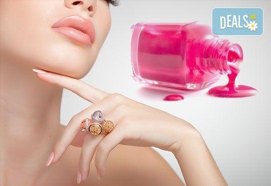 Поддръжка на ноктопластика с гел или акрил на Astonishing Nails в дермакозметичен център Енигма във Варна или Хасково! - Снимка 2