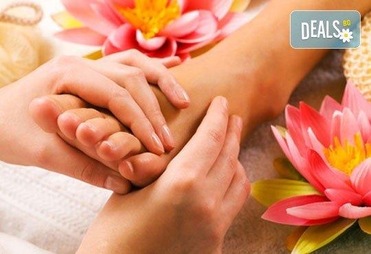 Релаксиращ, тонизиращ или лечебен шведски масаж, рефлексотерапия на стъпала и длани и стреч масаж в салон Лаура стайл! - Снимка 2