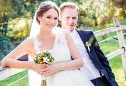 Цялостна организация на сватбено тържество, координатор на сватбения ден + водещ на изнесен ритуал от MUSIC for You! - Снимка