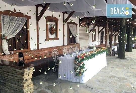 Цялостна организация на сватбено тържество, координатор на сватбения ден + водещ на изнесен ритуал от MUSIC for You! - Снимка 6
