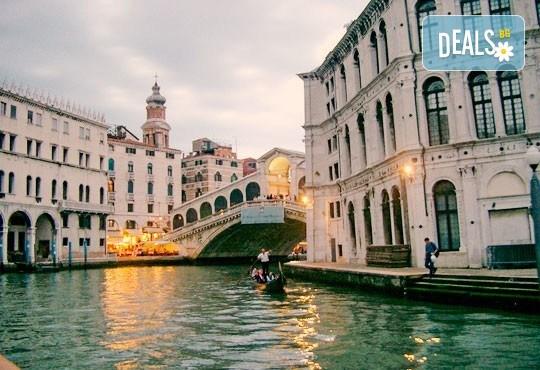Посетете карнавала във Венеция през февруари: 2 нощувки със закуски и транспорт от Далла Турс! - Снимка 3