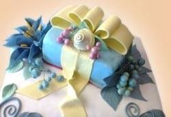 Празнична торта с пъстри цветя, дизайн на Сладкарница Джорджо Джани - Снимка