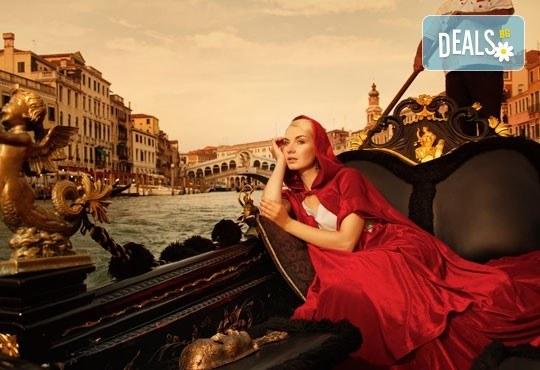 Романтична екскурзия за Свети Валентин до фестивала във Венеция, Италия! 2 нощувки със закуски в Лидо ди Йезоло, транспорт и програма! - Снимка 1