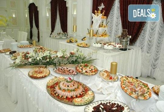 Нова година 2017 в Лесковац, Сърбия! 2 нощувки и закуски в хотел Грош 2*, две празнични вечери в транспoрт от Запрянов Травел! - Снимка 7