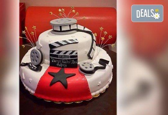 Фирмена торта с лого, индивидуален дизайн и брой парчета по избор от Сладкарница Джорджо Джани - Снимка 4