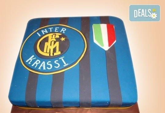 Фирмена торта с лого, индивидуален дизайн и брой парчета по избор от Сладкарница Джорджо Джани - Снимка 14