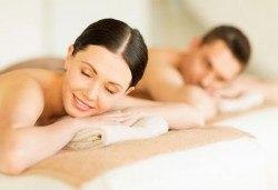 Едночасов синхронен масаж за двама с жасмин, лайка или роза в СПА център Pro Therapy