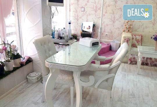 Регенерирайте кожата си! Кислородна терапия с продукти Profi Derm в салон за красота Infinity! - Снимка 4