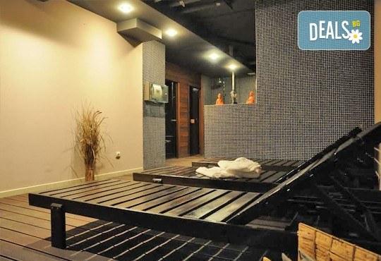 Класически масаж и ползване на СПА зона в новия Фитнес и спа център Platinum Health Club в центъра на София - Снимка 7