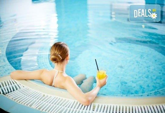 Класически масаж и ползване на СПА зона в новия Фитнес и спа център Platinum Health Club в центъра на София - Снимка 2