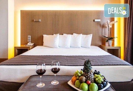 Нова година 2017 в Солун с Дари Травел! 3 нощувки със закуски и 2 вечери в Les Lazaristes Domotel 5*, транспорт и панорамeн тур на Солун - Снимка 4