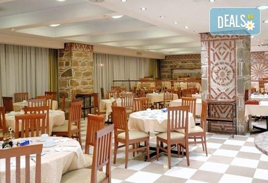 Нова година в Солун - столицата на Северна Гърция: 2 нощувки със закуски и празнична вечеря в Capsis Hotel 4* , водач и транспорт от Имтур! - Снимка 6