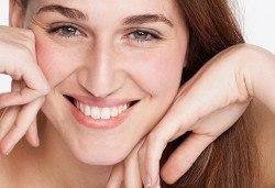 Ботокс терапия за лице с мезотерапия, пилинг и маска за жизнена кожа с младежки вид с изцяло натурална козметика в Sunflower Beauty Studio - Снимка