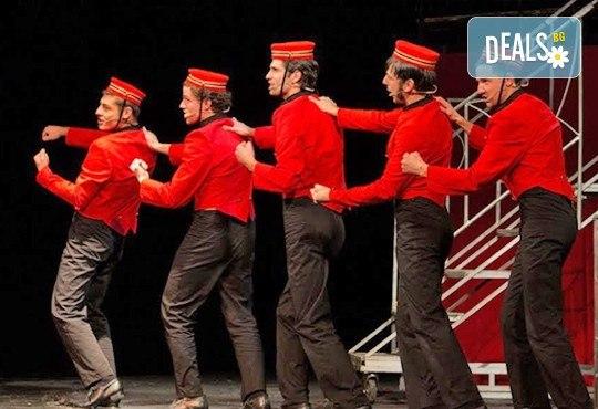 """Гледайте култовата комедия """"Някои го предпочитат..."""" на 29.10, събота от 19.00ч. в Младежки театър - Снимка 2"""