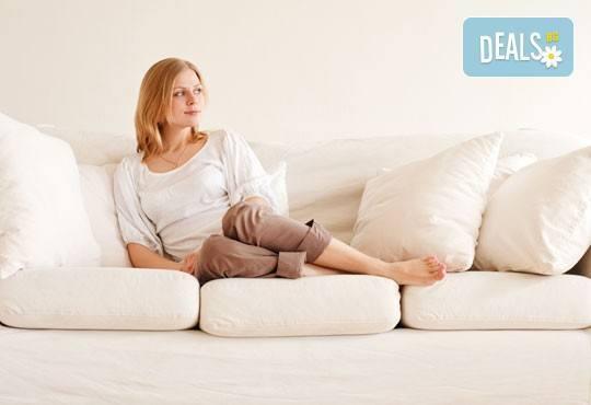 Погрижете се за меката мебел с пране на холна гарнитура до 6 седящи места и матрак или килим по избор от Професионално почистване Рего! - Снимка 1